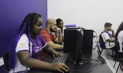 Aluna realiza curso do IOS em parceria com a Dell