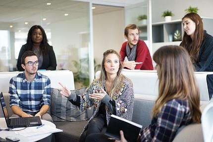 Empresa anuncia vaga de trainee com experiência internacional