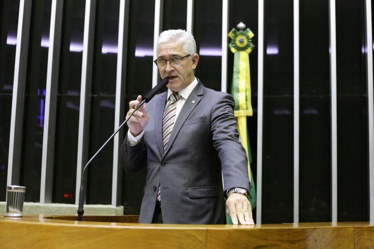 Deputado visa suspender limite de idade exigido em concursos (Foto: Luis Macedo/Câmara dos Deputados)