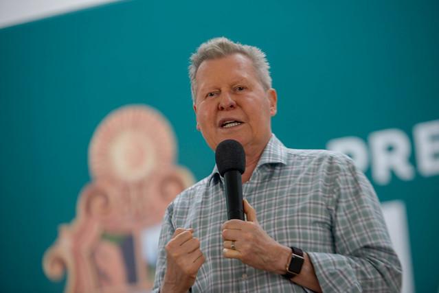 Prefeito de Manaus assume contas do Inpa e vê necessidade de concurso (Foto: Alex Pazuello/Semcom)
