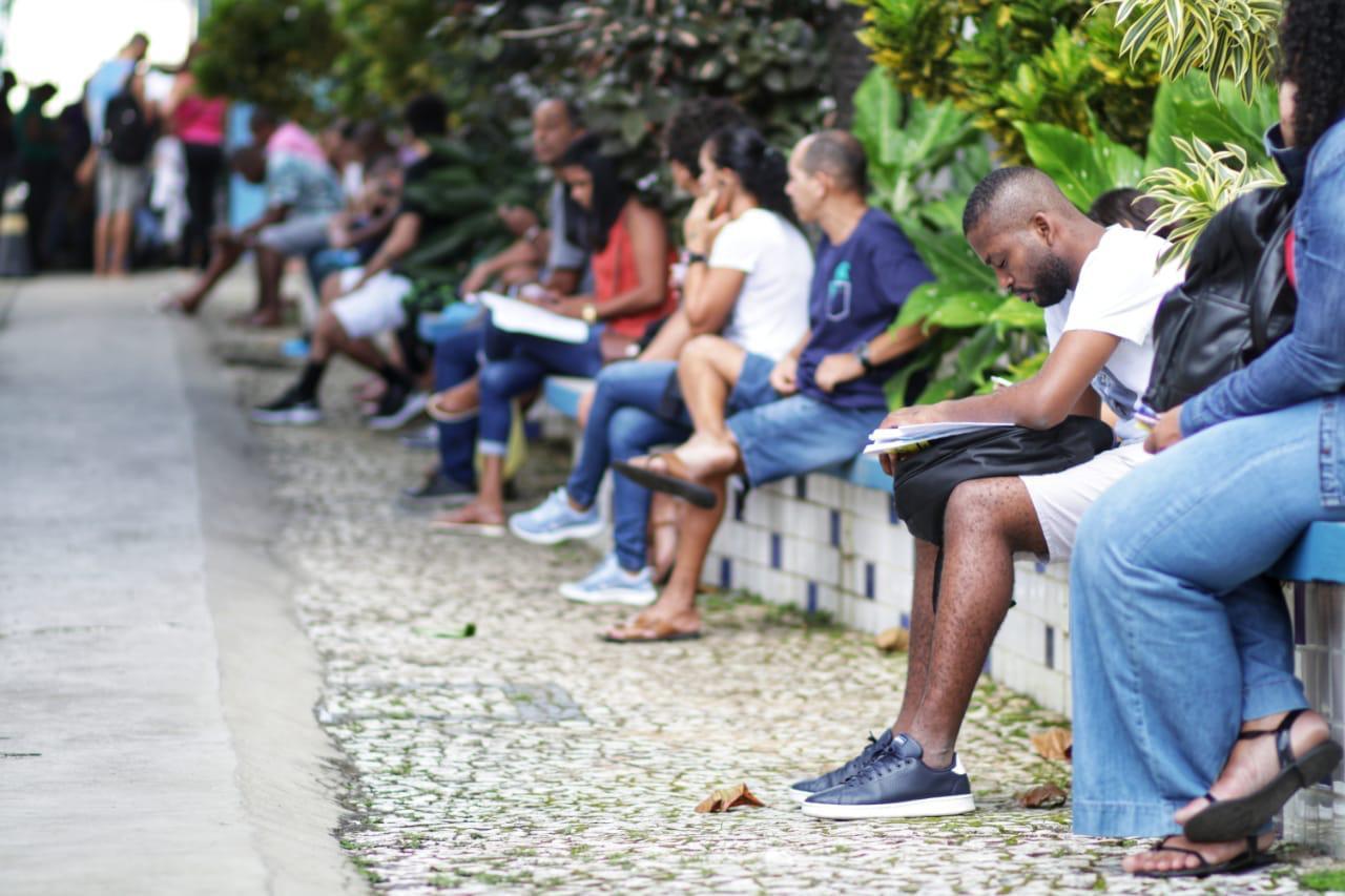 Prova do concurso da prefeitura de Salvador foi aplicada neste domingo, 16. (Foto: Igor Santos/Secom/Divulgação)