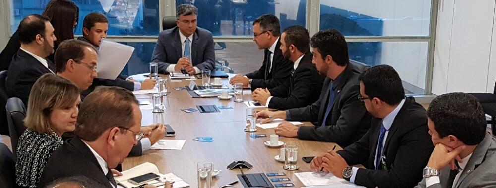 Em reunião com ministro, sindicatos tratam questões ligadas ao serviço público. (Foto: Unacon Sindical)