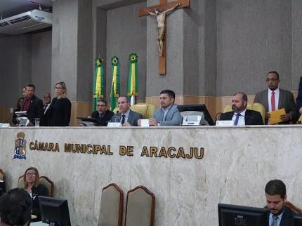 Concurso Câmara de Aracaju-SE: banca organizadora é definida - FOLHA DIRIGIDA