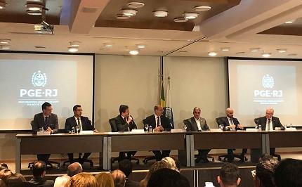 PGE-RJ suspende regulamento e comissão do concurso de procurador