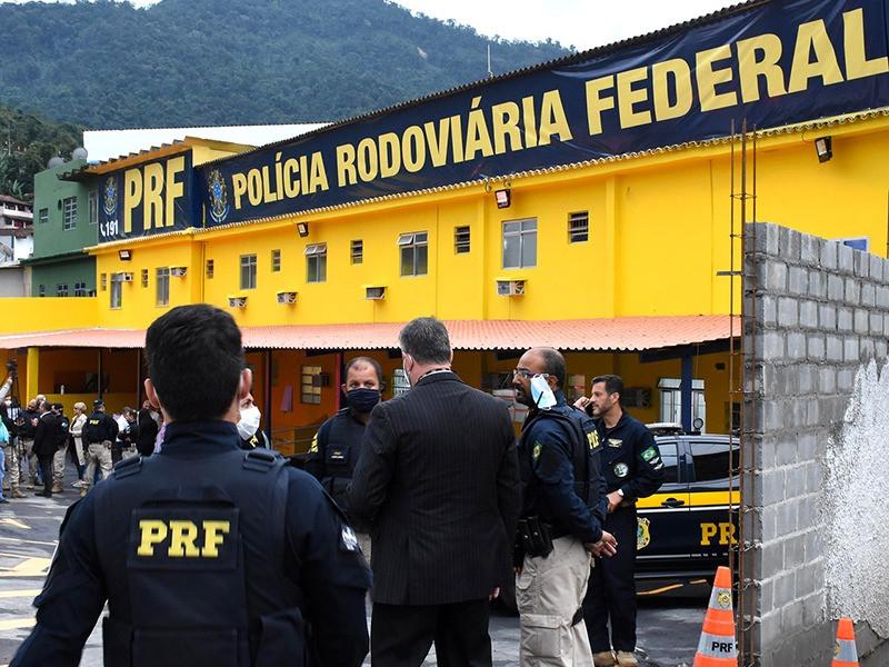 PRF abre concurso com 1.500 vagas para policial rodoviário federal