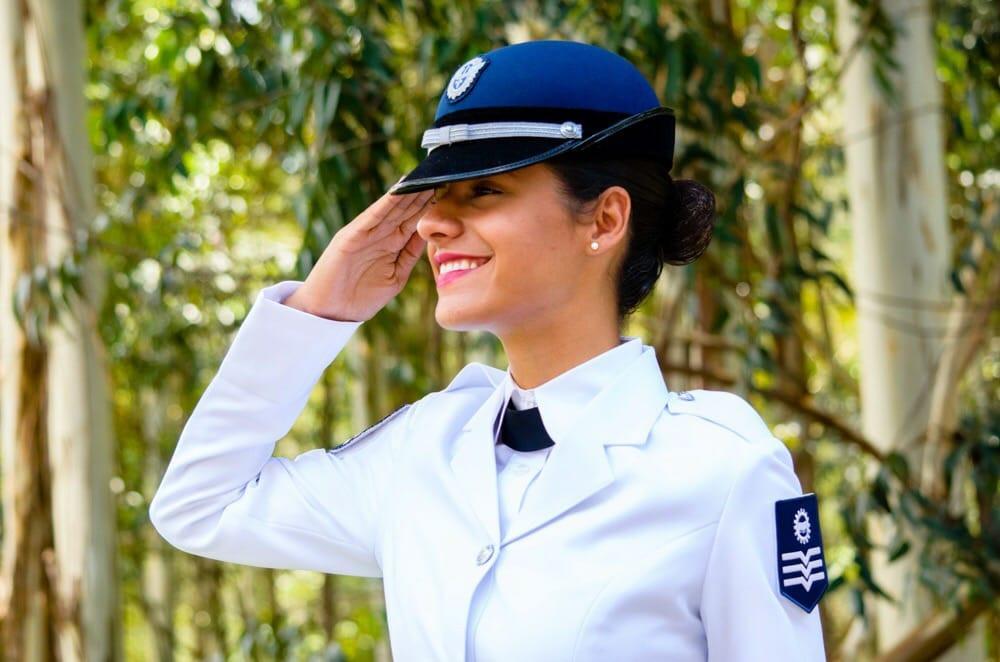 Rayane Oliveira é atualmente 3º sargento da FAB (Foto: Arquivo pessoal)