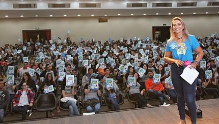 Seduce-GO divulga editais de seleção com mais de 17 mil vagas