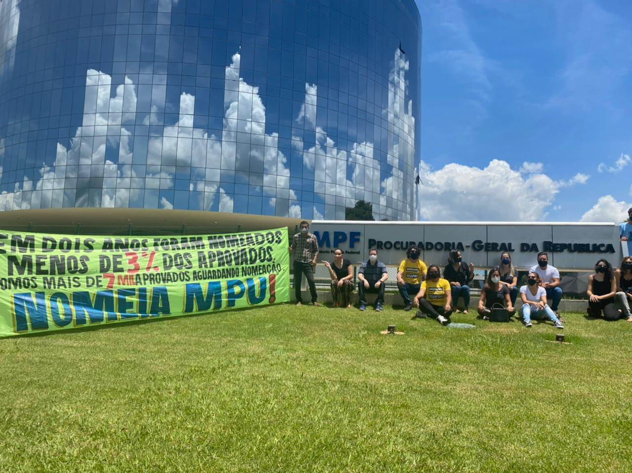 Aprovados no concurso MPU realizam protesto por nomeações (Foto: SindMPU/Adriel Gael)
