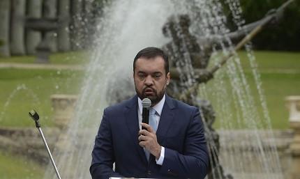 Cláudio Castro assume, efetivamente, como governador do Rio de Janeiro