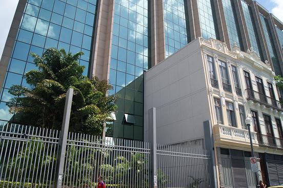 Foto da fachada do TRT da 1ª região, no Rio de Janeiro