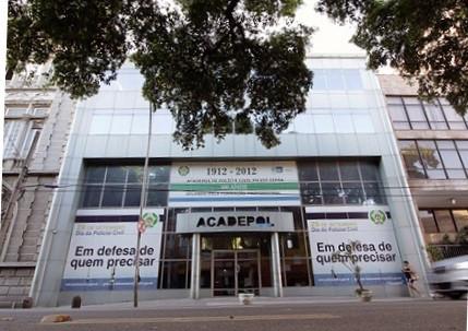 Fachada da Acadepol, no Rio de Janeiro (Foto: Paulo Toscado/PC-RJ)