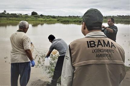 Agentes do Ibama