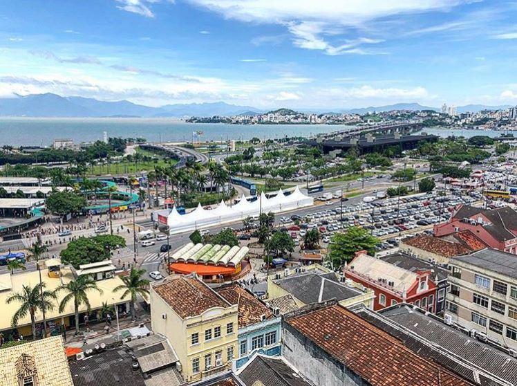Concurso Florianópolis oferta mais de 200 vagas em vários cargos (Foto: Reprodução Instagram)