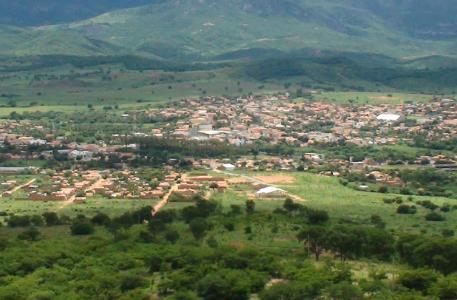 Monte Azul Minas Gerais fonte: admin.folhadirigida.com.br