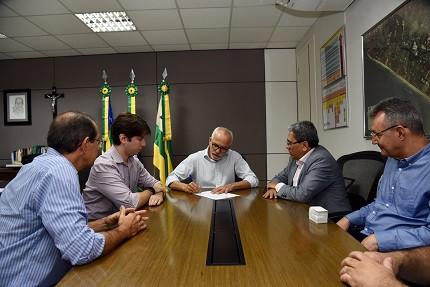 Prefeito (Foto: Ana Lícia Menezes/ PMA)