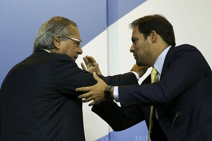 Paulo Guedes e Paulo Uebel (Foto: Marcelo Camargo/Agência Brasil)